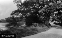 Frensham, Pond, Counties Lane 1914