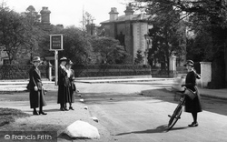 Frimley, Ladies In The High Street 1921