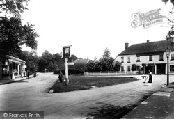 Frimley, The White Hart Hotel 1906