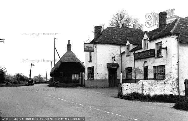 Fyfield, The Bull Inn c1955
