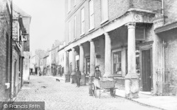 Gainsborough, Old Pillared House, Bridge Street c.1910