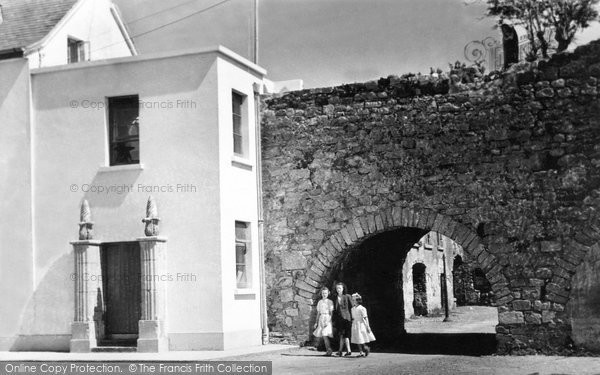 Photo of Galway, Spanish Arch c.1950