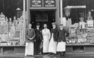 Gateshead, Grocery Store Staff, Wreckenton 1911