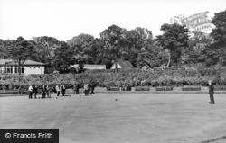 Gateshead, The Bowling Green, Saltwell Park c.1950
