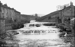 Gayle, Village And Falls c.1932