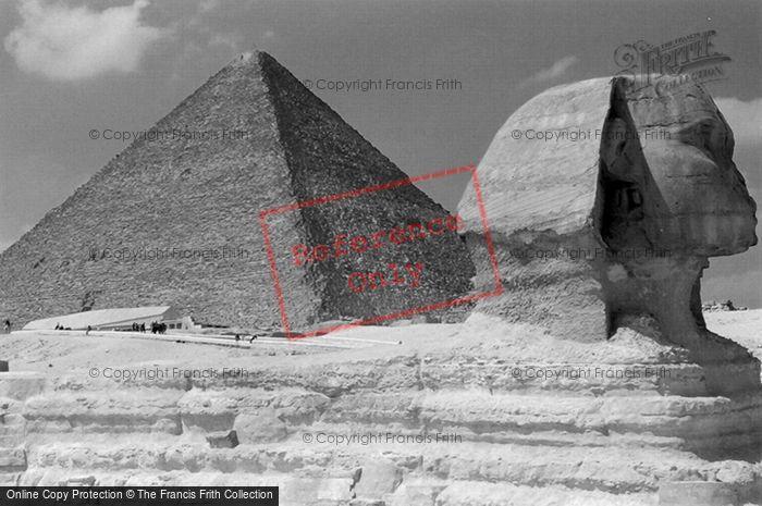 Photo of Geezeh, (Giza) Sphynx And Khufu Pyramid 2004