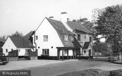 Gerrards Cross, The Packhorse Inn c.1960