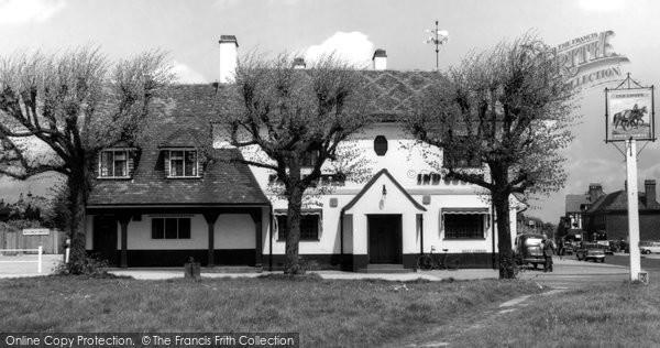 Photo of Gerrards Cross, the Packhorse Inn c1965