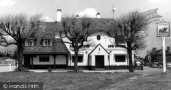 Gerrards Cross, The Packhorse Inn c.1965