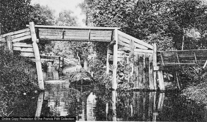 Photo of Giethoorn, A Punt Load Of Reeds c.1930