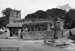 Giggleswick, The Cross And St Alkelda's Church c.1955