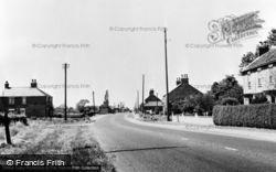 Main Road c.1960, Gilberdyke