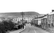 Gilfach Goch, Looking up the Valley c1955