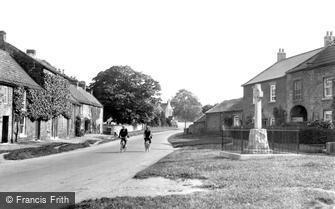 Gilling West, the War Memorial c1935