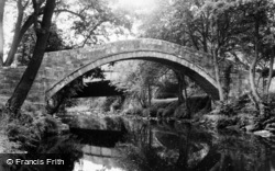 Glaisdale, The River And Beggar's Bridge c.1965