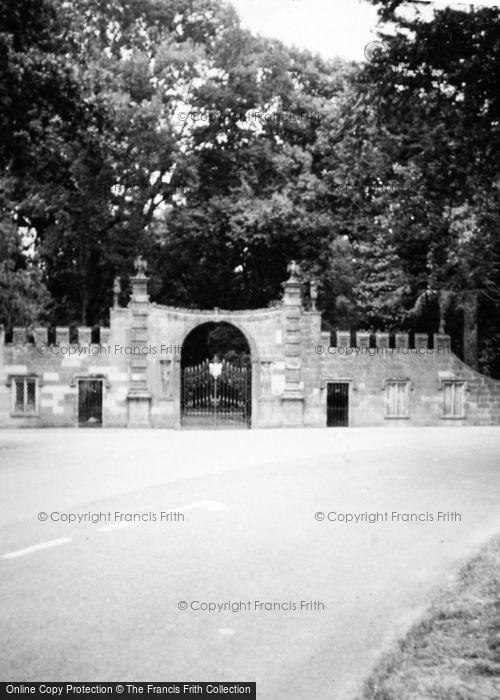 Photo of Glamis, Castle, West Gate c.1935