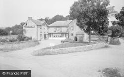 Glasbury On Wye, Maesllwch Arms Hotel 1960