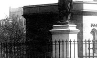 Glasgow, Statue 1897