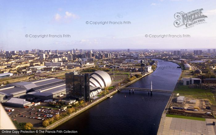 Glasgow, The Docks Redevelopment And Armadillo Clyde Auditorium 2001