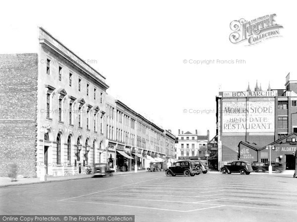 Gloucester, Kings Square and Post Office 1936