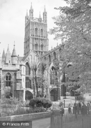 Gloucester, The Cathedral 1949