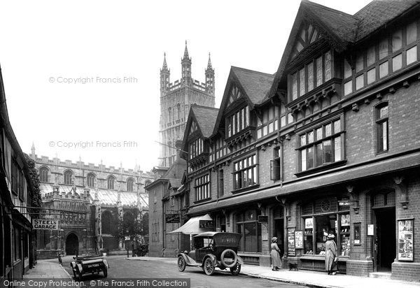 Photo of Gloucester, The Cathedral Approach 1923
