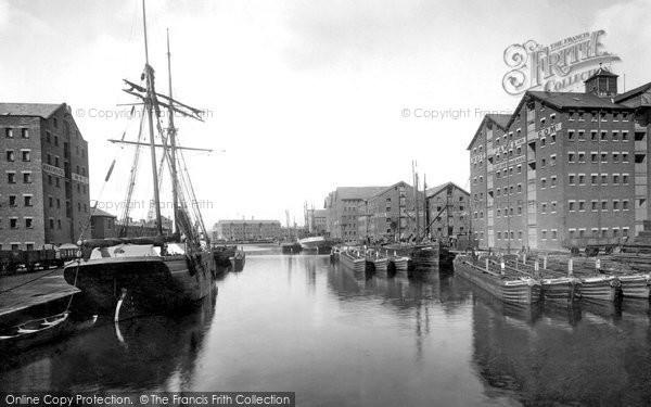 Gloucester, the Docks 1923