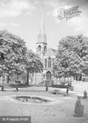 Gloucester, The Robert Raikes Park And Whitfield Memorial Church 1949
