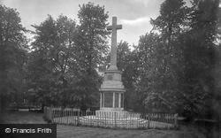Gloucester, War Memorial 1923