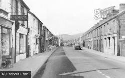 Glyn Neath, High Street c.1960