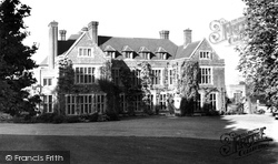 House From The Drive c.1950, Glyndebourne