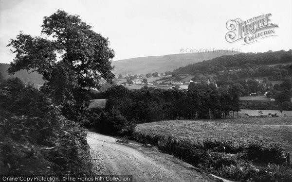 Photo of Glyndyfrdwy, General View and Berwyn Mountain c1955