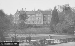 Godalming, Charterhouse, Girdlestonites 1927