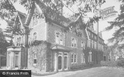 Godalming, Charterhouse, Pageites 1927
