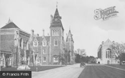 Godalming, Charterhouse, Verites 1927