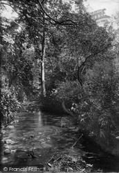 Diana Fountain Woods 1907, Godstone