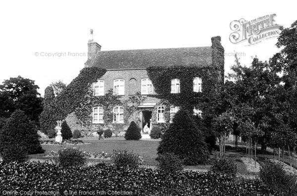 Photo of Godstone, Lagham House 1908