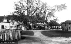 Godstone, The Hare And Hounds 1907