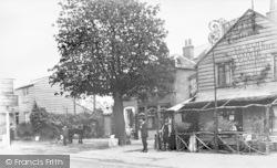 Golders Green, Ye Olde Grove Farme, Golders Green Road 1912