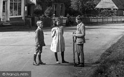 Gomshall, Children In Station Road 1917