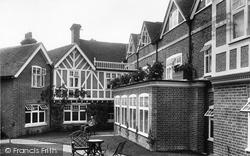 Goring, Miller Of Mansfield Hotel 1900