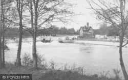 Goring, The Lock And Weir c.1955