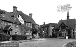 The Miller Of Mansfield Hotel c.1950, Goring