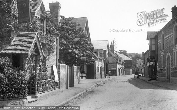 Goring, the Village 1896.  (Neg. 38308)  © Copyright The Francis Frith Collection 2008. http://www.francisfrith.com