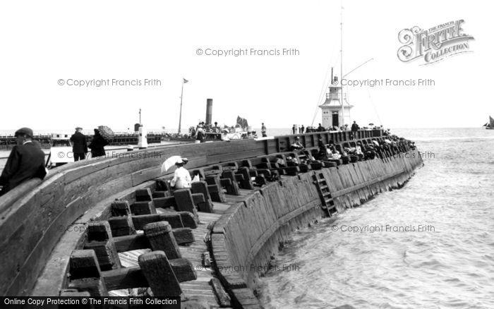 Photo of Gorleston, The Pier 1904