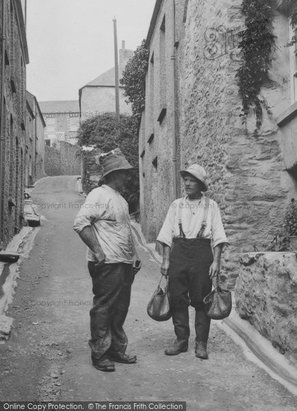 Photo of Gorran Haven, Men Talking 1922, ref. 73312x