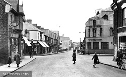 Gorseinon, West End Square c.1950