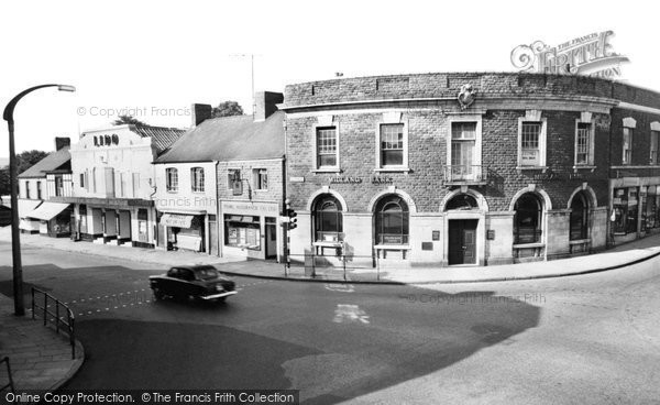 Photo of Gorseinon, West End Square c.1960
