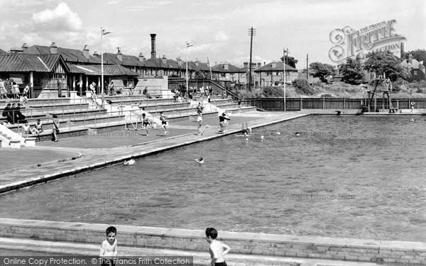 Gosport, the Bathing Pool c1960