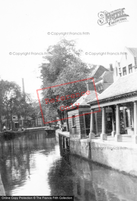 Photo of Gouda, Canal c.1930